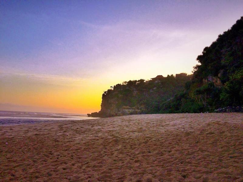 Sunset at Sanglen Beach is also very cute! @nanang_a_e