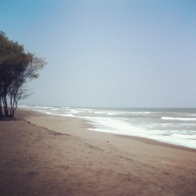 Travel Tips to the New Beach of Kuwaru. via @elizabethnoviw