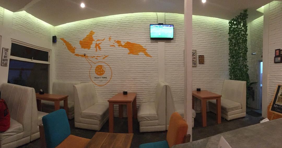 Cafe Right Time, salah satu cafe yang cozy dan murah di Malang via @righttimecafe