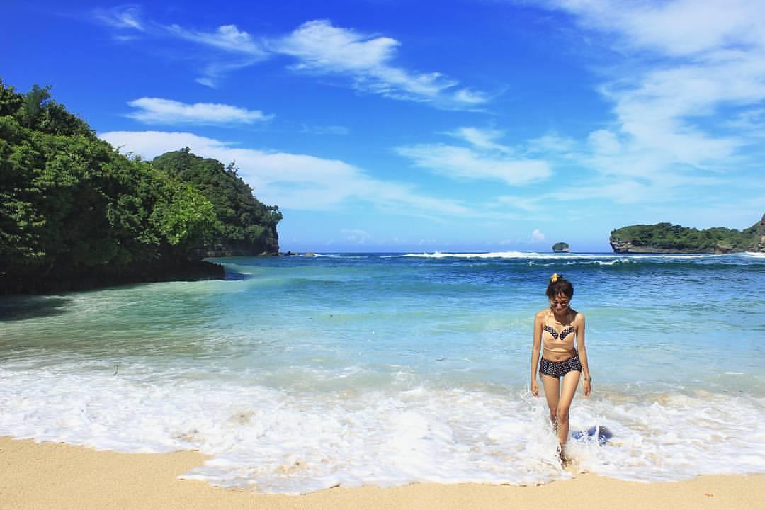 Pantai di Malang yang belum terjamah, Pantai Gatra Malang.
