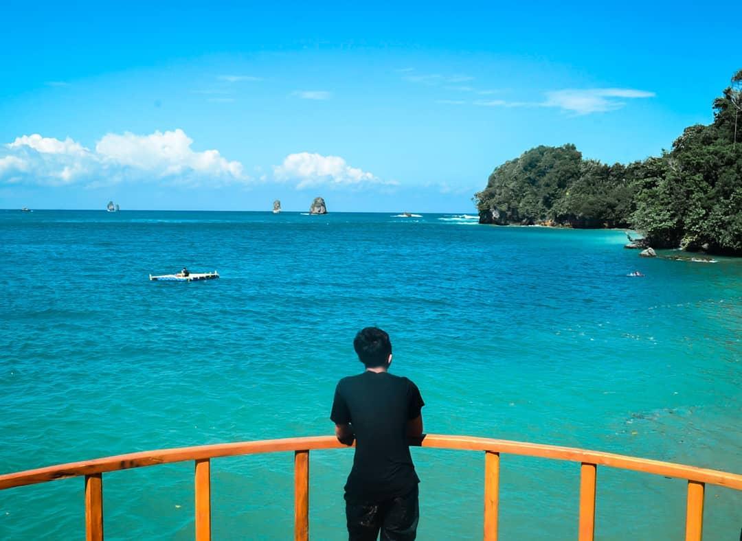 Pantai di Malang yang belum terjamah, Pantai Tiga Warna.