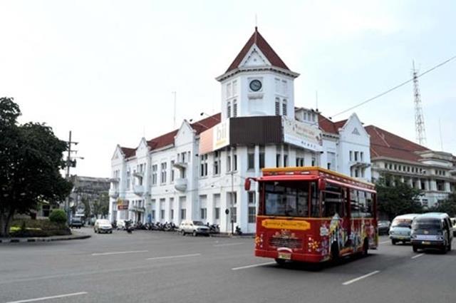 Surabaya, pernah terpikir untuk berlibur di kota ini?