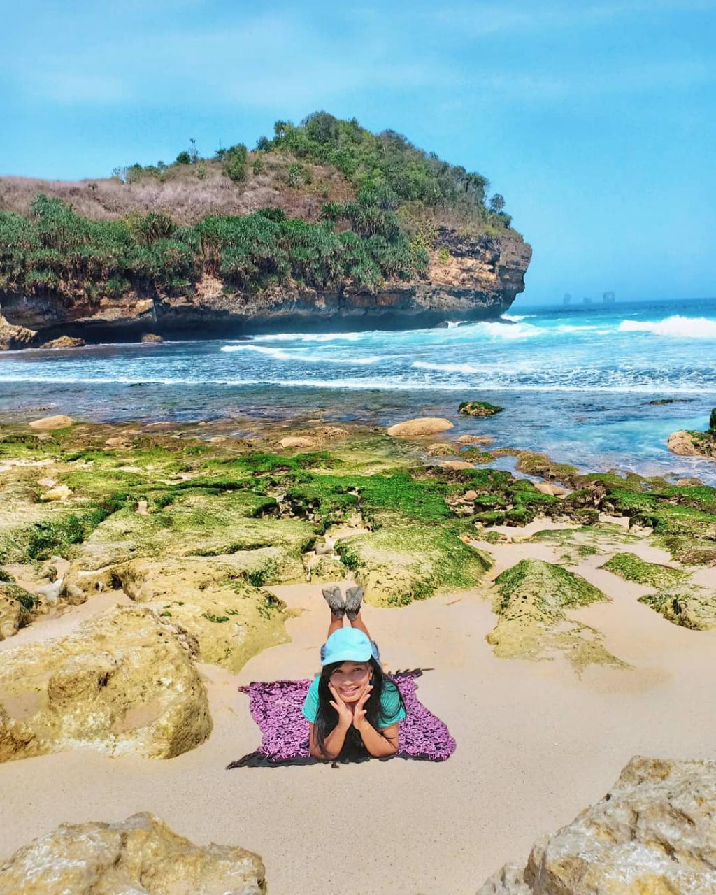 Pantai di Malang yang belum terjamah, Pantai Kajaran.