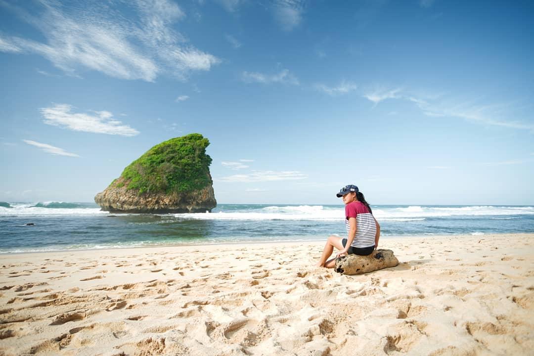 Pantai di Malang yang belum terjamah, Pantai Ngudel.