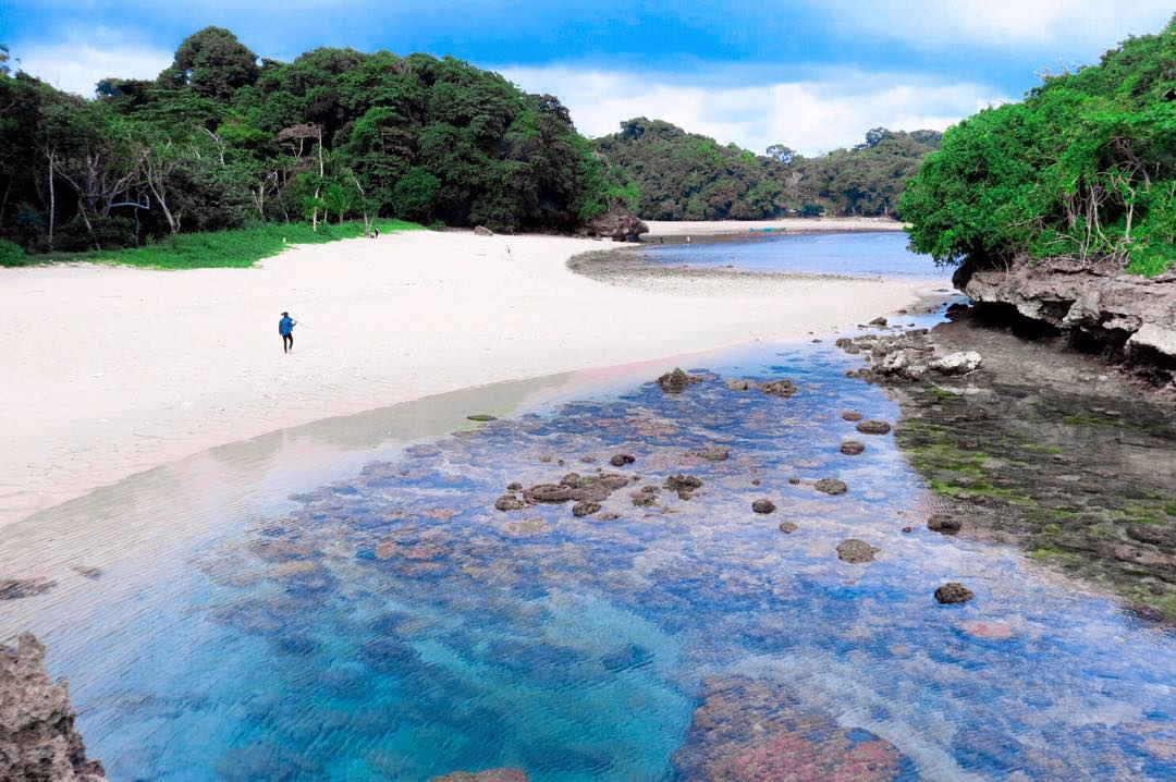 Pantai di Malang yang belum terjamah, Pantai Pulodoro.