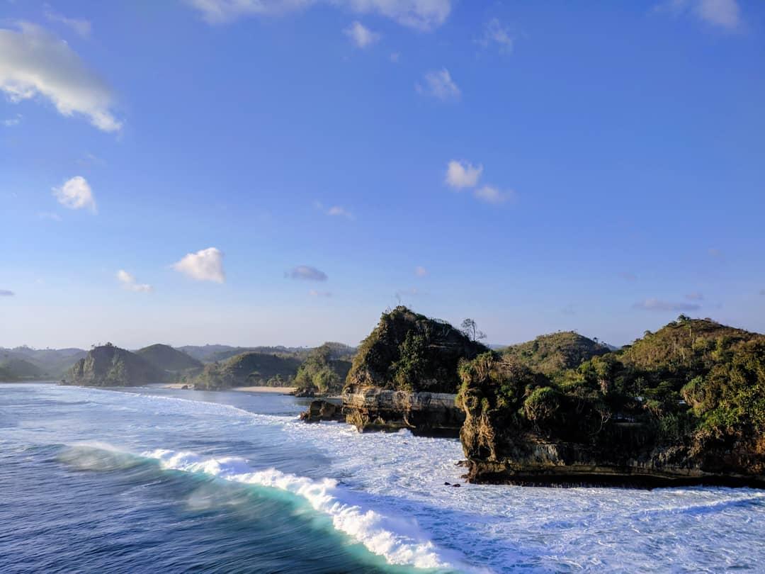 Pantai di Malang yang belum terjamah, Pantai Bakung.