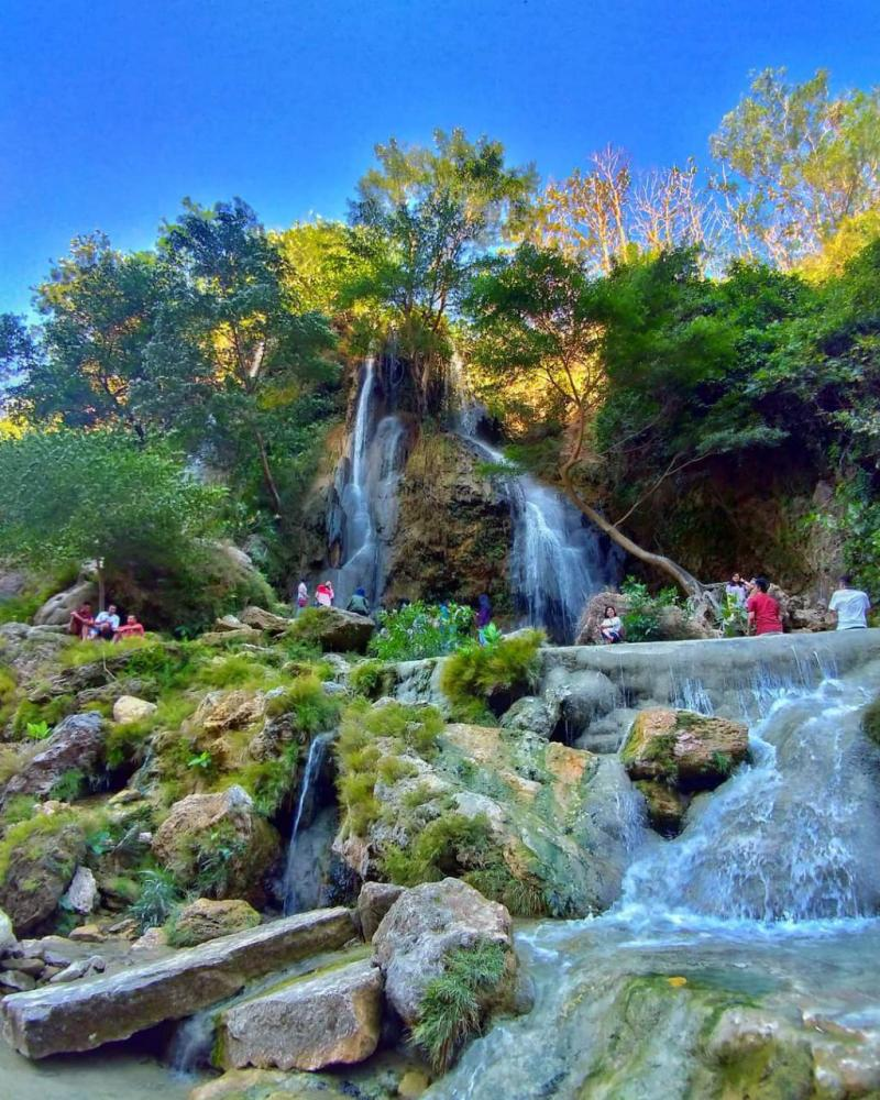Pemandangan Alam di Air Terjun Srigethuk yang merupakan salah satu tempat wisata di Jogja terkeren!