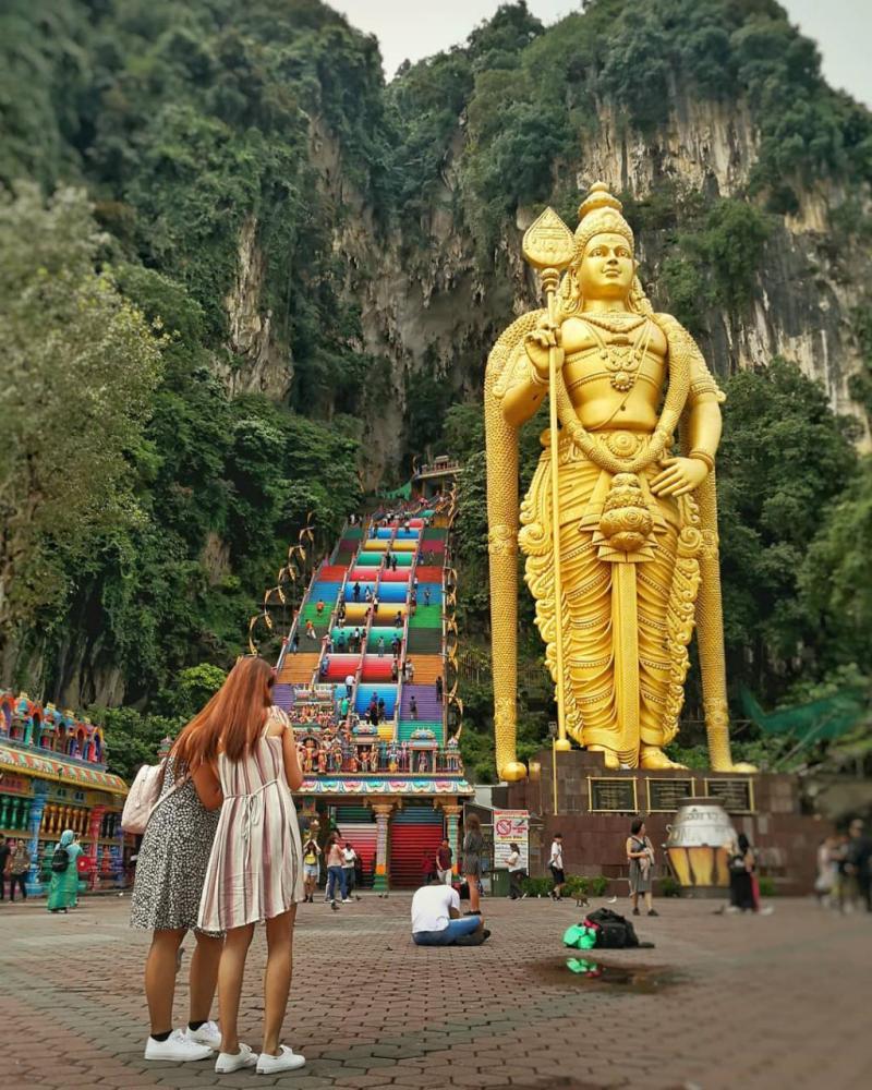 Batu Caves - Kenapa Kamu Harus Pakai Paket Sewa Wifi Malaysia Kalau Liburan Ke Sana!