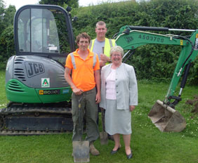 Contractors Craig Taylor and Neil Tingay with Councillor Richards at Burntwood Park