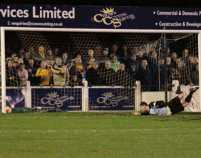 Ryan Price is beaten by Louis Briscoe's drive. Pic: Dave Birt