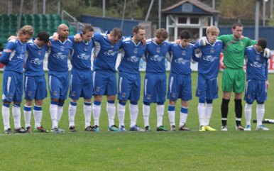 players-unite-in-showing-respect