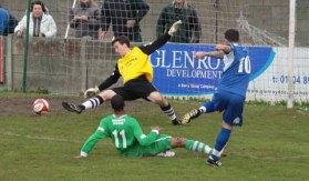 Dean Perrow makes it 2-2 after a mazy run. Pic: Dave Birt