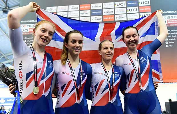 Emily Nelson and the victorious women's pursuit team. Pic: SWpix.com