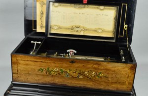 The musical box that's going up for auction