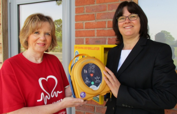 Jo Walker, manager at Lichfield & District Crematorium with Donna Stokes, from the British Heart Foundation