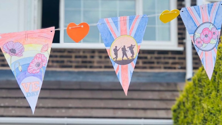 Bunting in Fradley by Huong Huynh