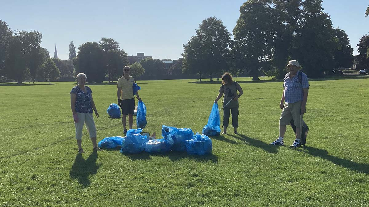 Volunteers cleaning up Beacon Park