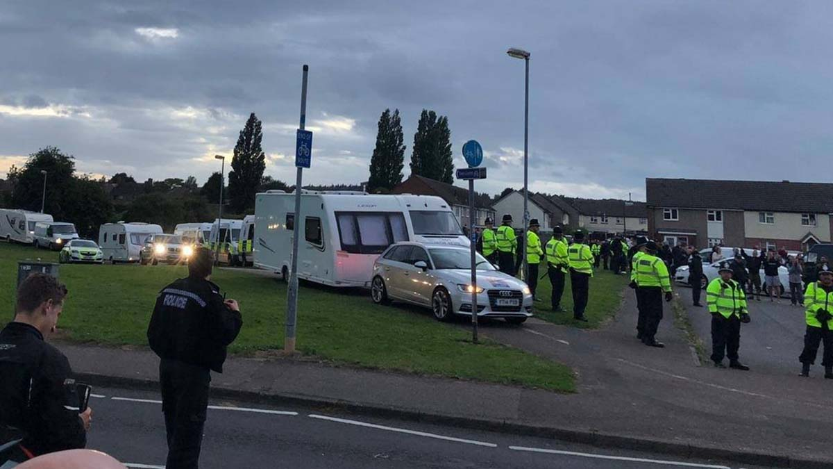 Heavy police presence as travellers move on from fields in Lichfield - Lichfield Live
