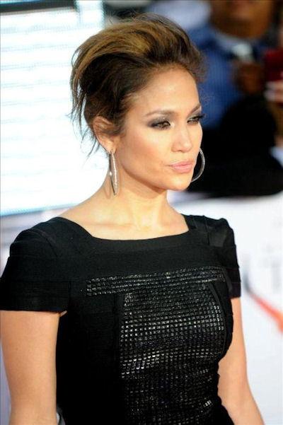 fryzura upięta J.Lo