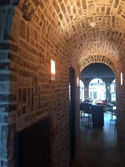 Inbouw wandlamp in halfsteensmuur i.s.m. VDP