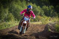 Frauen Power Motocross in Magenta