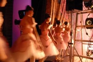 Dansend het leven door