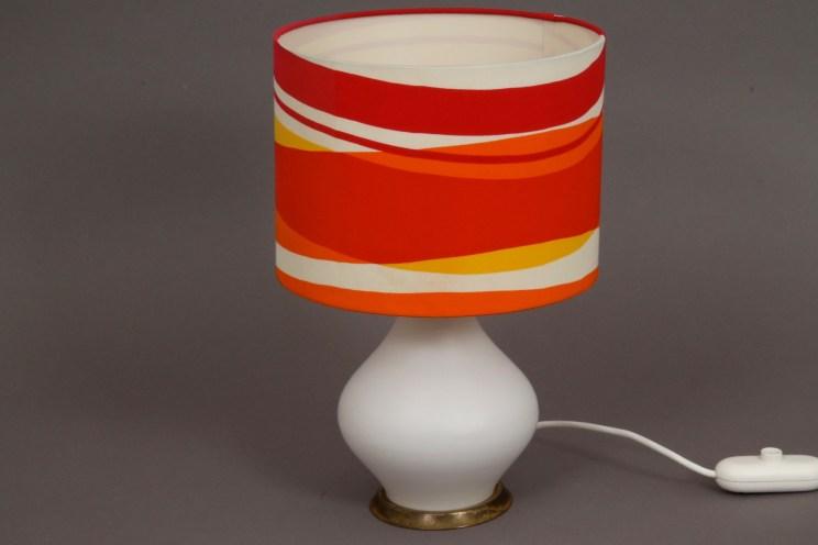 Nachttischlampe rot orange