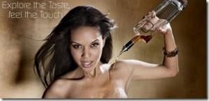 """G-Spirits: whisky, ron y vodka """"enriquecidos"""" al pasar por los pechos de top models 2"""