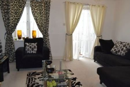 Property for Sale in Shelburne Drive  Hounslow TW4   Buy Properties     Thumbnail 4 bed semi detached house for sale in Shelburne Drive  Whitton   Hounslow