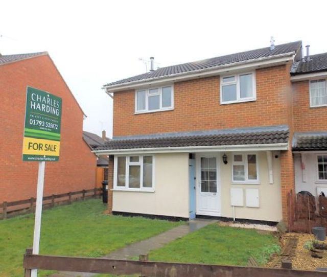 End Terrace House For Sale In Gifford Road Swindon Wiltshire