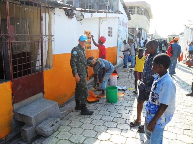 Lançamento do Projeto Quarteirão Limpo no Haiti: dignidade para as famílias.