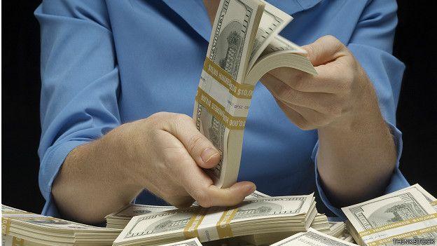 Ventajas y riesgos de prestarle al banco