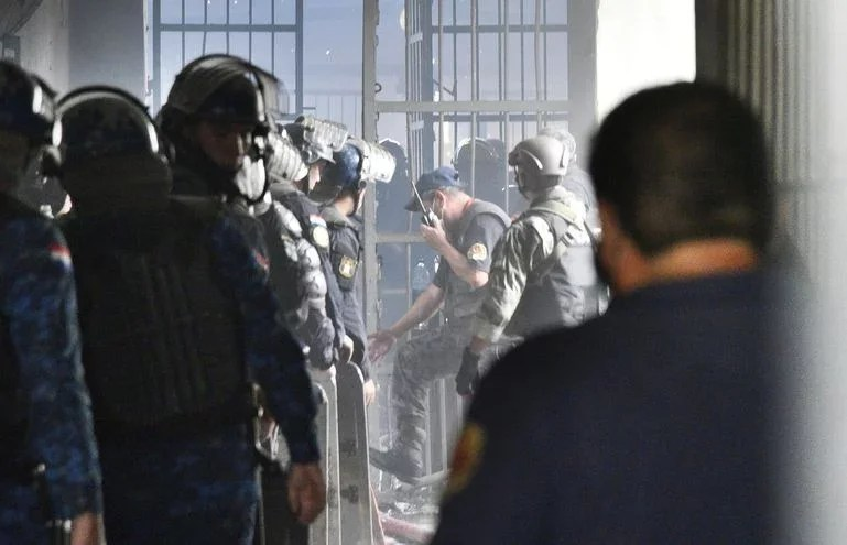 Membros do PCC são transferidos após descoberta de plano de decapitação de detentos
