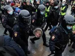 Polícia russa exorta as pessoas a não participarem dos protestos de Navalny