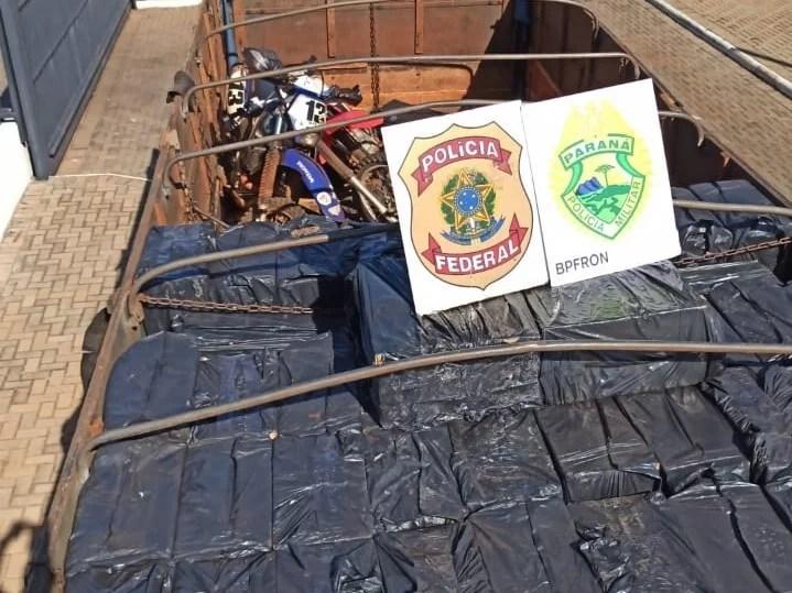 Caminhão, carro, motos e cigarros contrabandeados são apreendidos em Guaíra