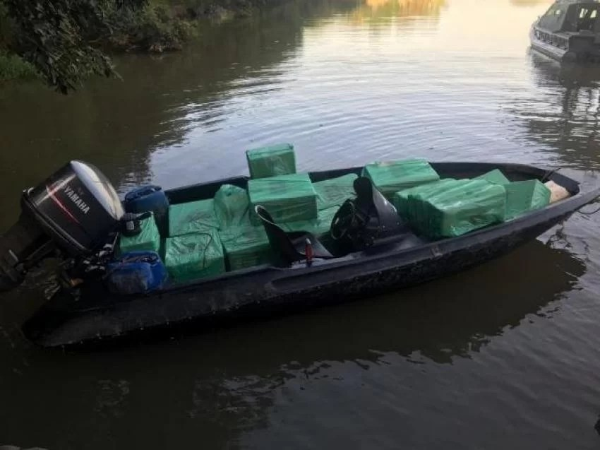 Polícia Civil de Guaíra prende homem nas Marinas com barco carregado de eletrônicos