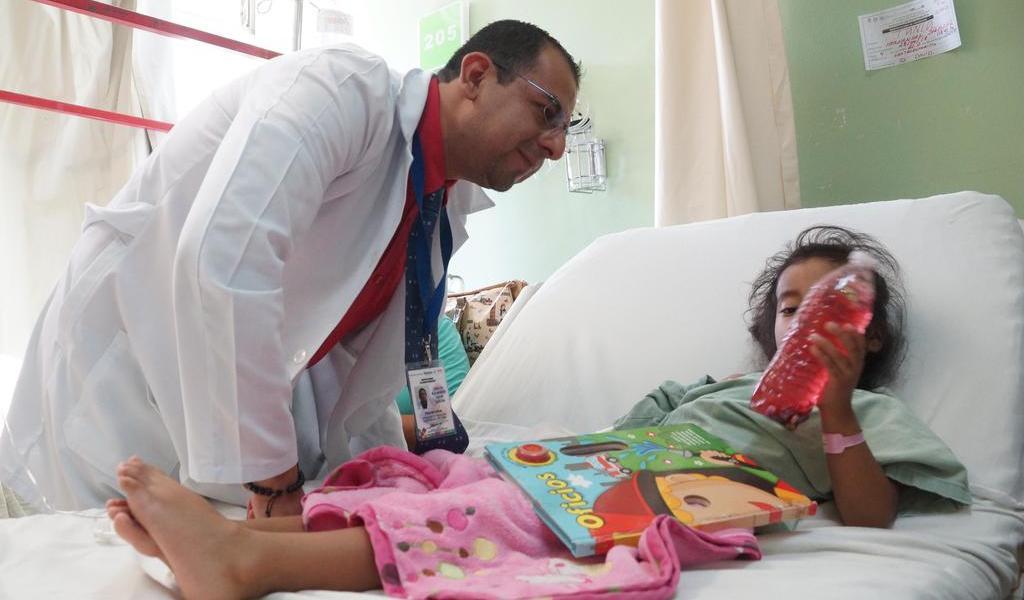 Urgen a garantizar atención del Insabi; pacientes aún pagan por servicio