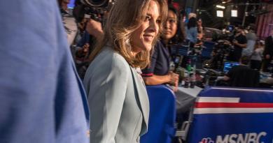 Se queda EUA sin la 'candidata del amor' para las elecciones
