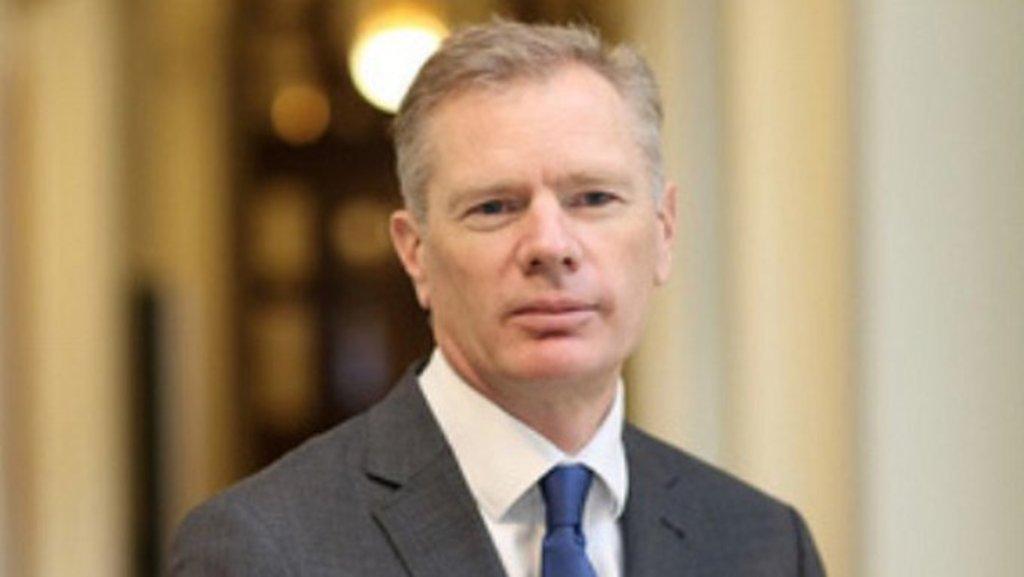 Detienen a embajador británico en Irán
