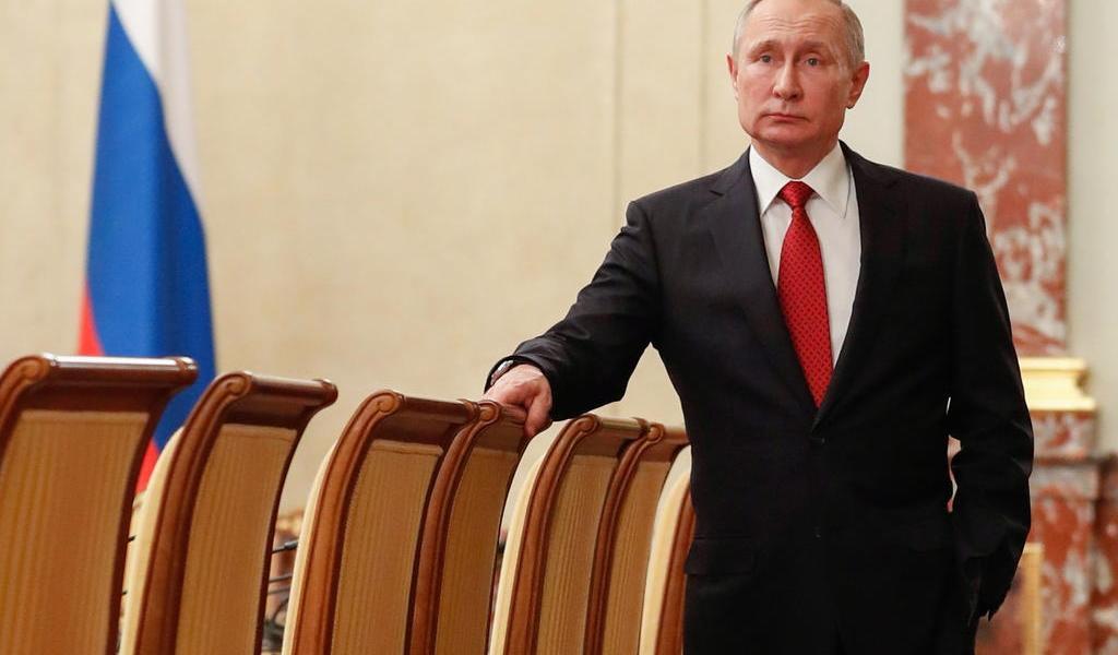 Propone Putin al jefe tributario como primer ministro