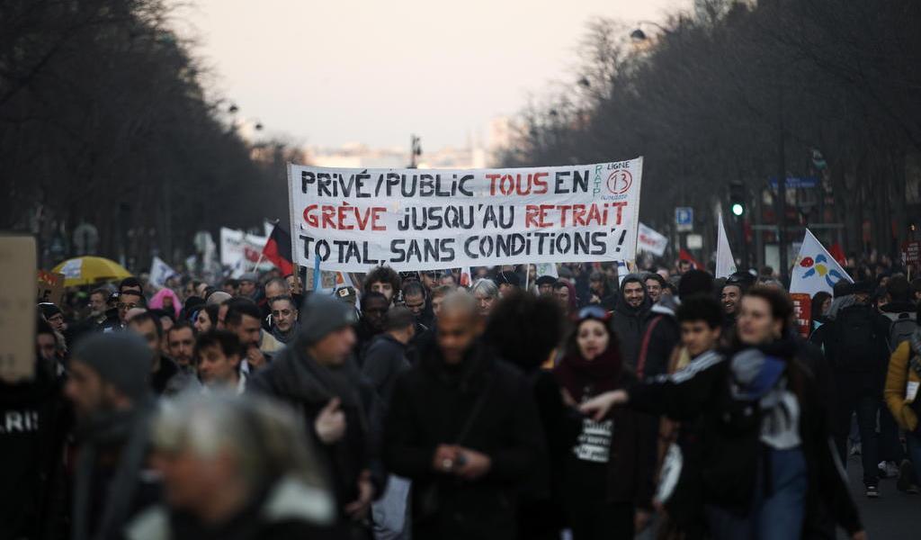 Vive Francia nueva jornada de protestas
