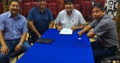 Firma acuerdo de unidad en el MAS