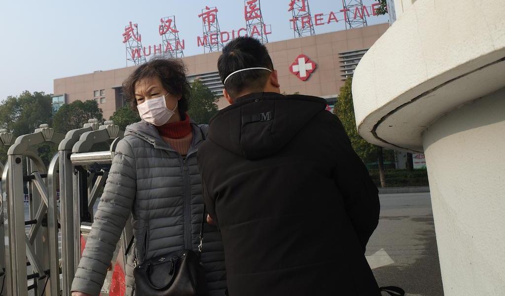 China informa de otros 17 nuevos casos de neumonía en la ciudad de Wuhan