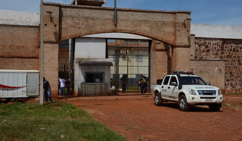 Destituyen a responsables de fuga en Paraguay