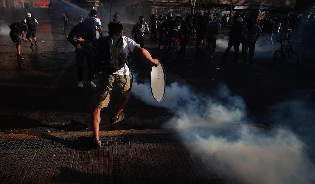 Rechaza Senado chileno inhabilitar al gobernador de Santiago por protestas