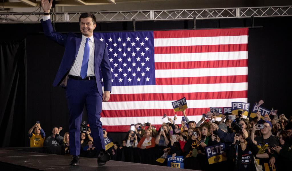 Buttigieg y Sanders lideran el caucus de Iowa, según primeros resultados