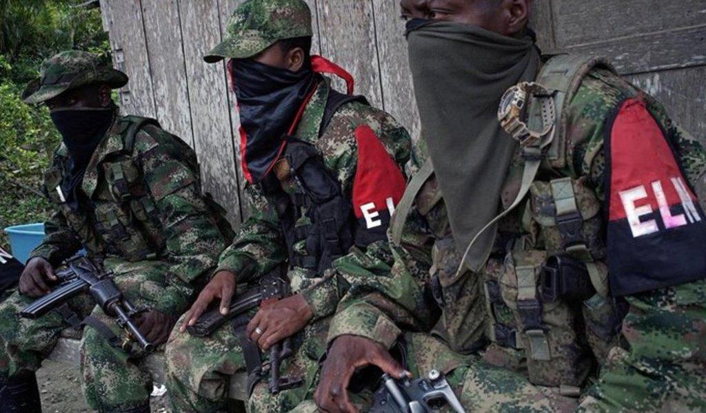 Amenazan con 'paro armado' en toda Colombia