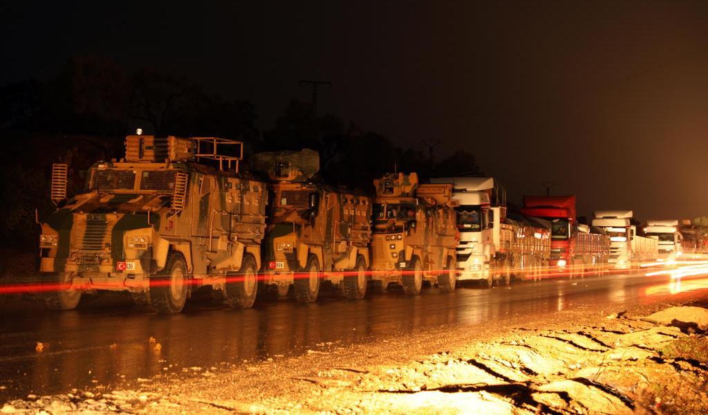 Turquía envía más tropas a Siria para imponer un alto el fuego a la fuerza