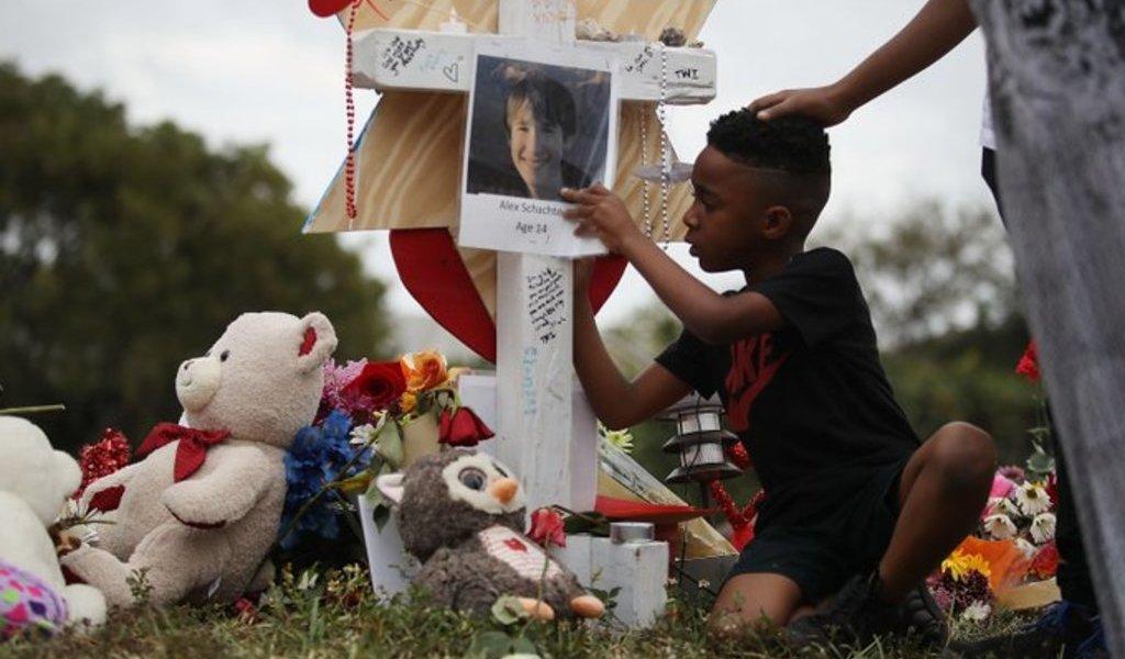 Parkland recuerda y reclama fin a la violencia armada