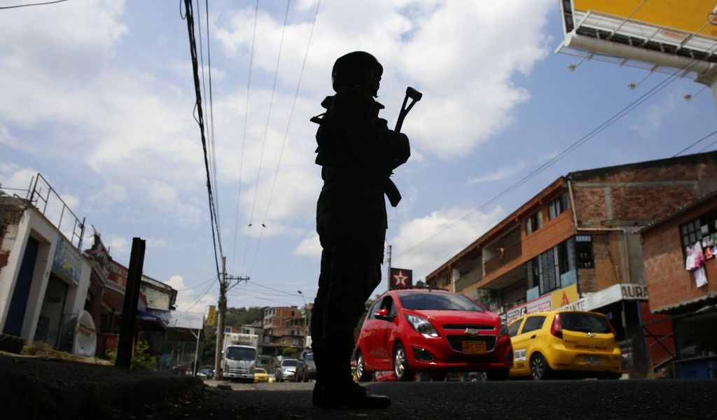 Zozobra se mantiene en Colombia por 'paro armado'